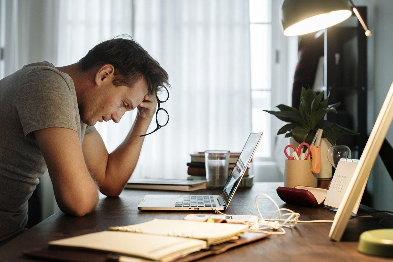 Les symptômes et causes du stress aigu et chronique