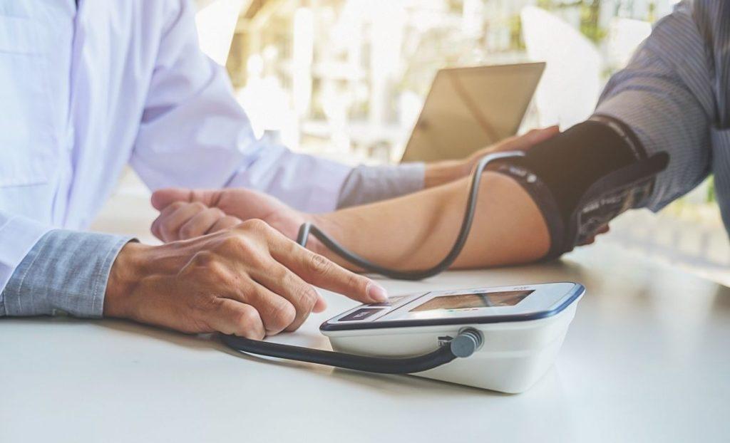 Tension artérielle élevée: comment soigner l'hypertension?